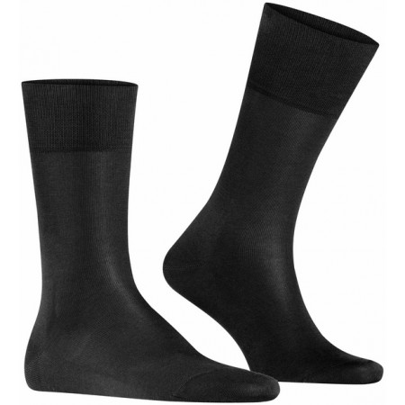 Esta meia de algodão leve impressionará especialmente graças ao uso do Fil d'Ecosse premium, que confere a essa meia seu brilho único.