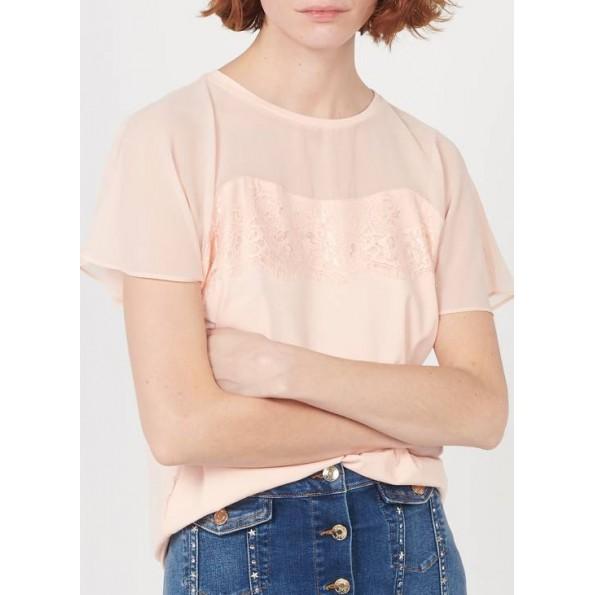 T-shirt com gola redonda e renda. Colarinho redondo. Comprimento: Normal. Tecido de Algodão. Mangas curtas e padrão de renda.