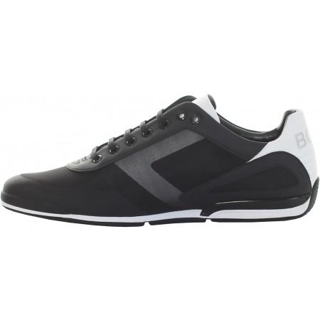 Os elegantes tênis da BOSS, projetados com um perfil discreto. Construído com uma sola de borracha para uma sensação leve e flexível.