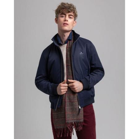Versátil, prático e cheio de estilo. Este casaco de inverno é inspirado no nosso legado de sportswear americano colegial.
