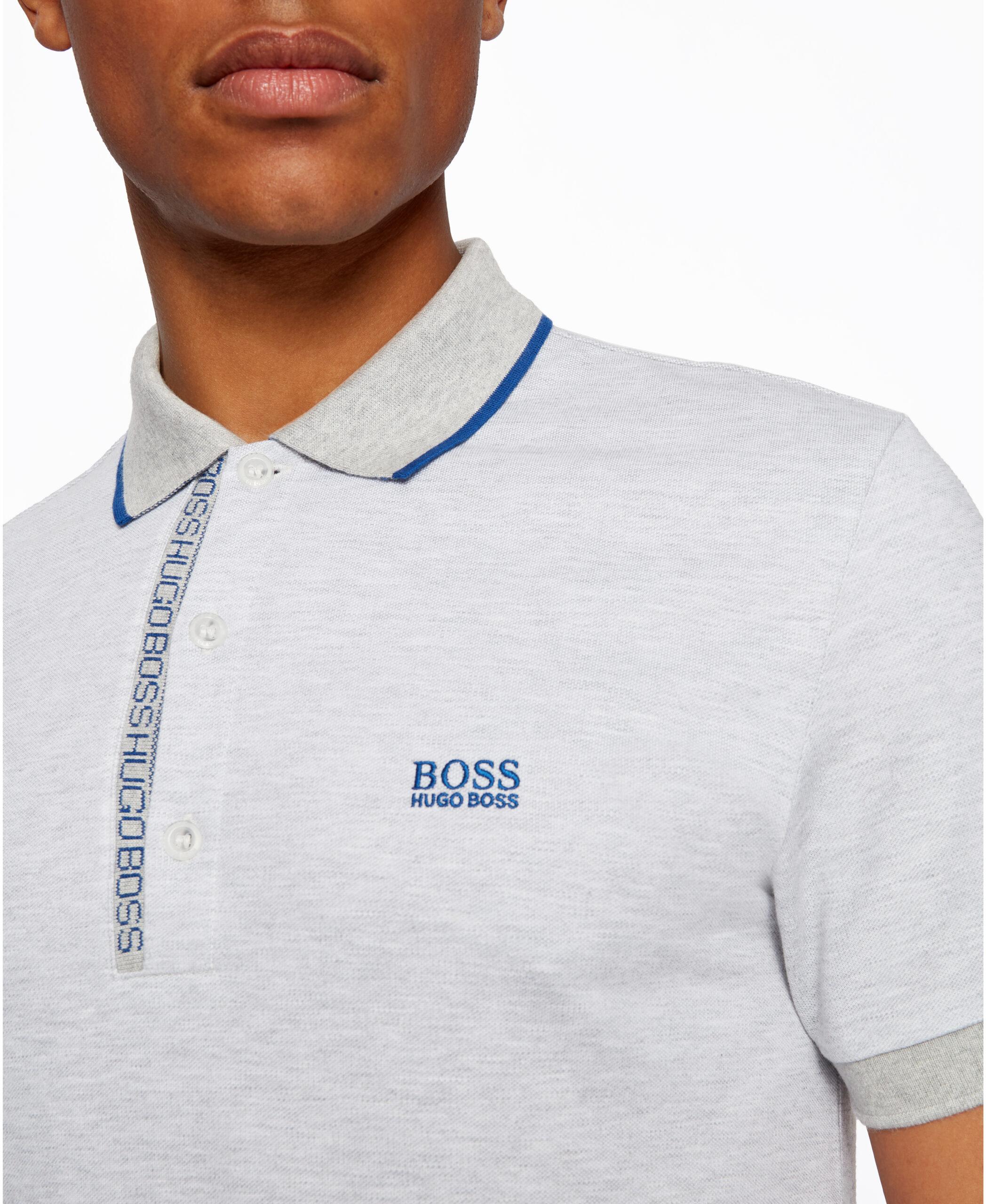 Um polo desenhada pela BOSS.Criado em piqué de algodão Oxford.