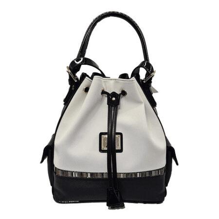 Bolsa com dupla funcionalidade SKU: 18900360.21.99. Escolha entre a opção de mão ou a alça de ombro regulável. Tem dois bolsos nas laterais.