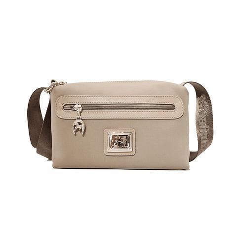 Bolsa de tiracolo de senhora Sporty line SKU: 18950372.13.99, com um design fantástico. Tem asa regulável, com um toque de requinte.