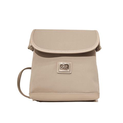 Bolsa tiracolo de senhora Cavalinho Sporty line SKU: 18950387.13.99, com um design fantástico e muito discreta. Para longas caminhadas.
