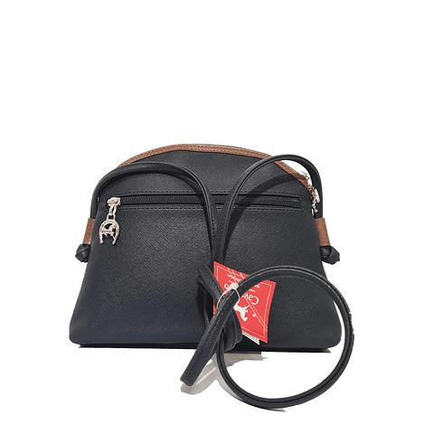 Bolsa de tiracolo Cavalinho de senhora Navy Line SKU: 18910005.34.99 com fecho de correr. No seu interior possui um bolso para telemóvel.