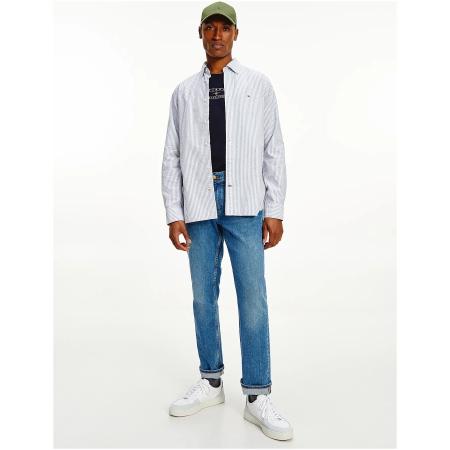 Camisa de riscas Tommy Hilfiger de homem, cortada em tecido maquinado de algodão orgânico com uma faixa vertical
