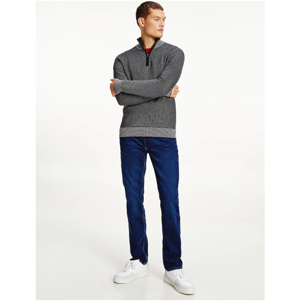 Gola, bainha e punhos em cores contrastantes dão um toque chique a este suéter de algodão orgânico com zíper na metade do comprimento.