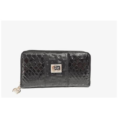Cabe facilmente na maioria das bolsas, também pode ser carregada na mão como uma clutch em miniatura com a ajuda de uma mini alça extra.